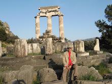 Templo de Palas Atenea a la entrada de Delfos