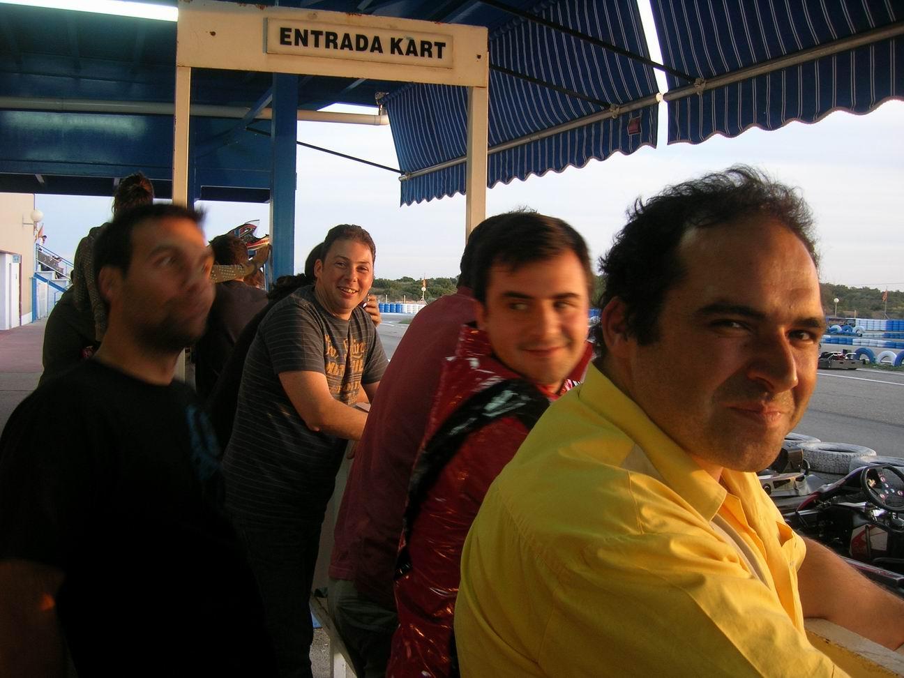 Circuito Karts Santos De La Humosa : Karting en santos de la humosa alejandro valdezate