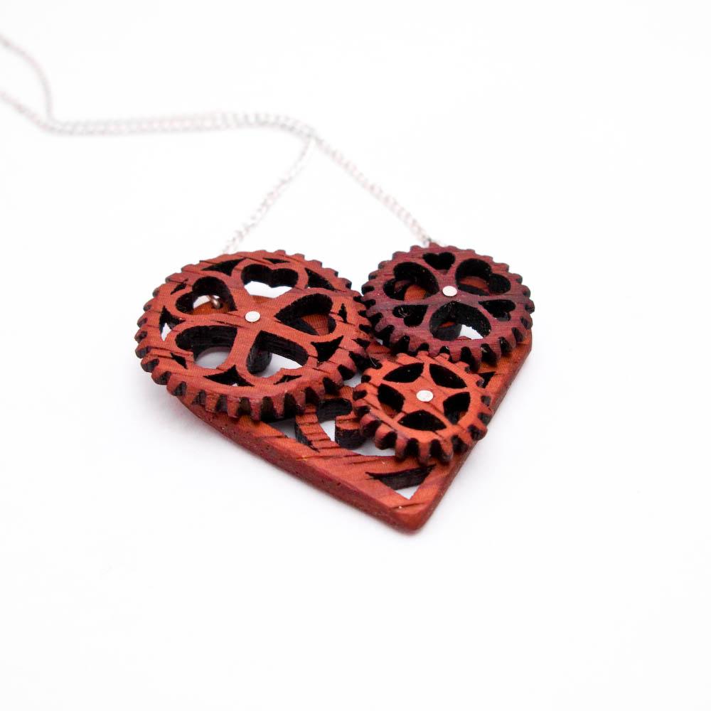 [heart+pendant]