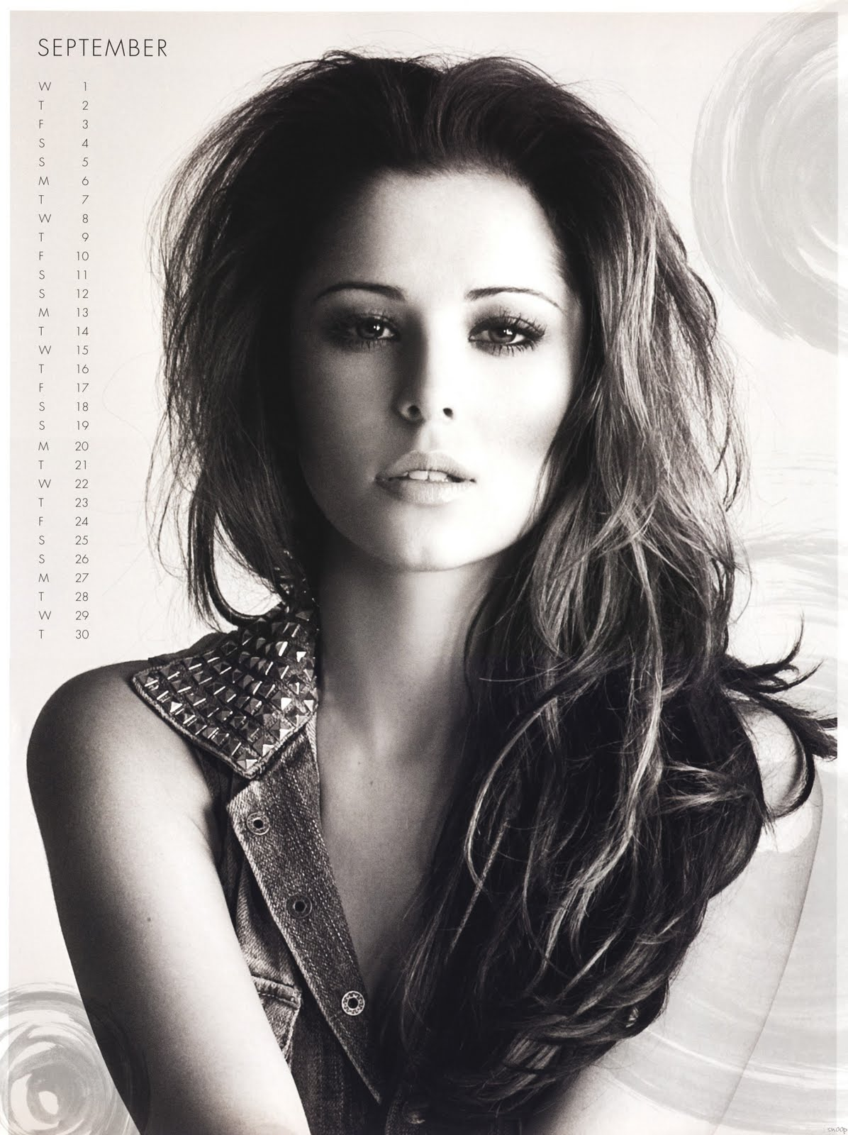 http://2.bp.blogspot.com/_mXAI3IWhFFc/TJSECLWTZ3I/AAAAAAAAAbc/7wbxoYurSlw/s1600/11645_Cheryl_Cole_-_Official_2010_Calendar_-_09_-_September_-_Normal_-snoop-_122_89lo.jpg