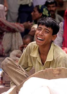 நாம் இந்துவோ முஸ்லிமோ அல்ல ! இந்தியர்கள் !! Kashmir-hindus-attacked15