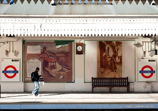 Candelario en la estación de Metro