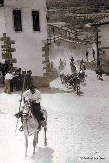 Encierro por el arrabal de Candelario Salamanca