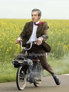 Calin Popescu Tariceanu pe noua motoreta