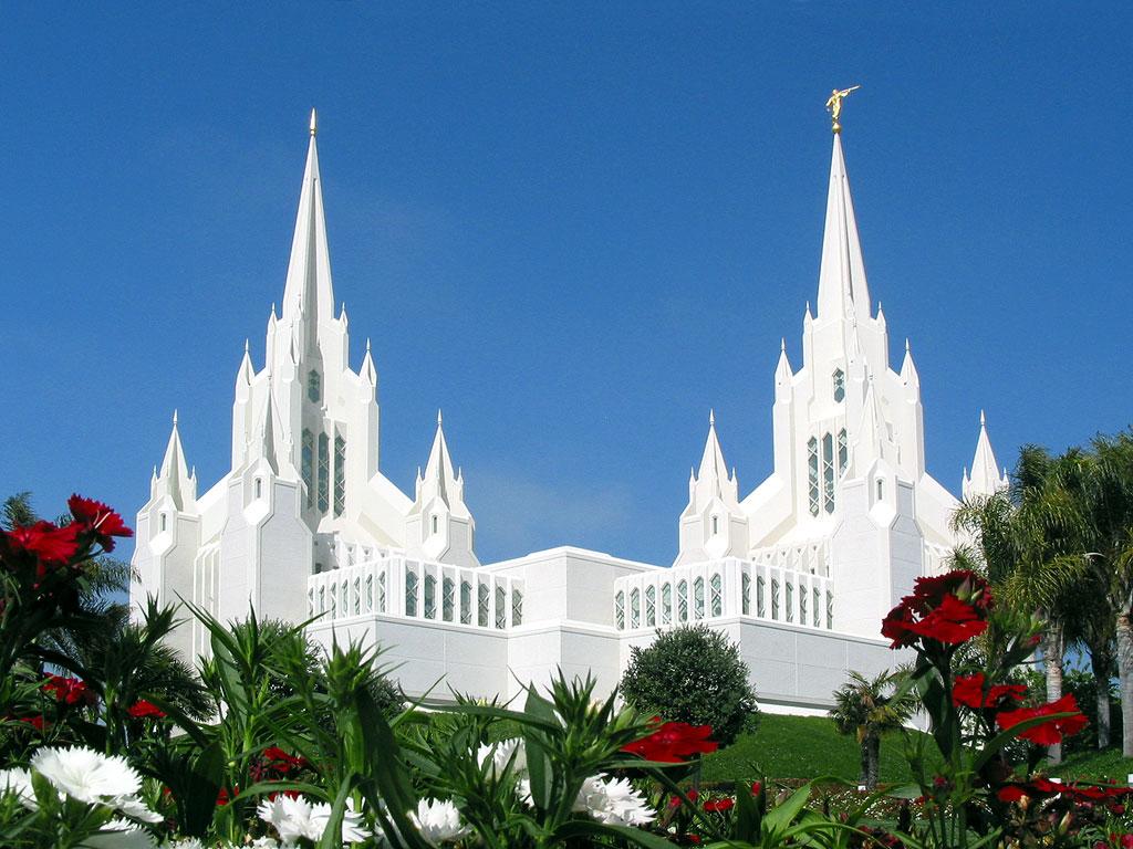 http://2.bp.blogspot.com/_m_rF_SsczEQ/TBAVbQbW1BI/AAAAAAAAACc/G7JdDobUsbU/s1600/san-diego-mormon-temple1.jpg