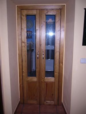 Madera puerta de dos hojas con cristal for Puertas antiguas de madera de 2 hojas
