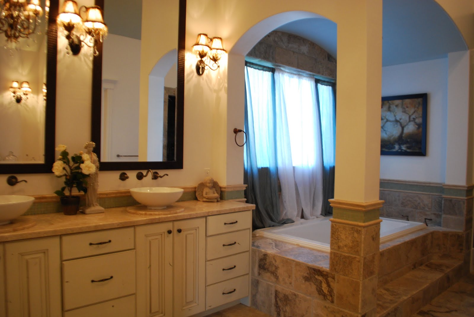 Isabelle thornton le chateau des fleurs french master for Romantic master bathroom