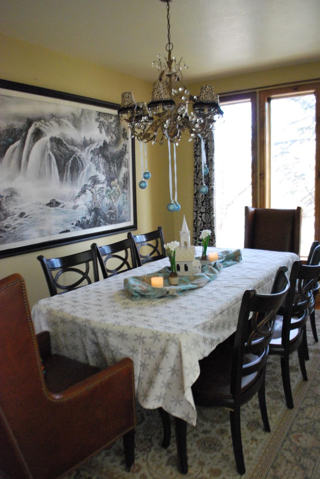 Isabelle thornton le chateau des fleurs christmas shabby chic dining room - Shabby chic dining rooms ...