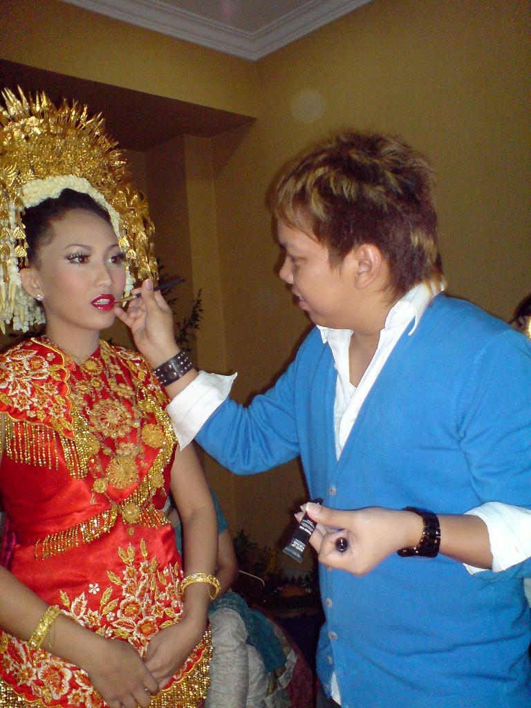 Traditional Indonesian Wedding Makeup : INDONESIA WEDDING MAKEUP TIPS By: ALDO AKIRA MAKEUP ARTIST ...