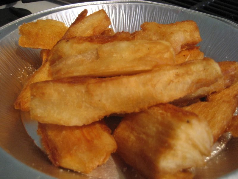... been all about fried food. I say why stop now? Let's make YUCCA FRIES