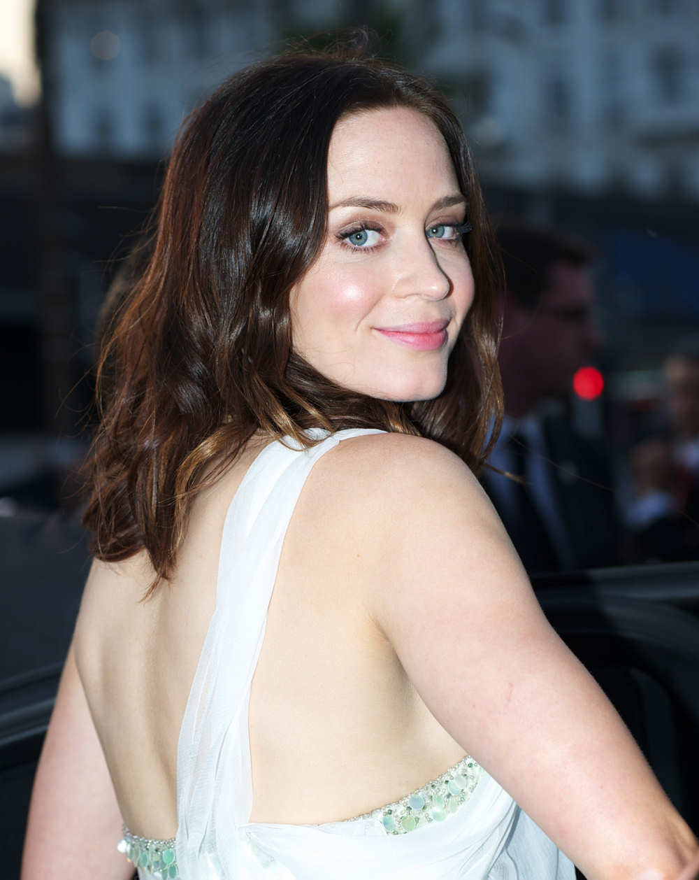 Emily Blunt Hot Cute Wallpapers Pictures
