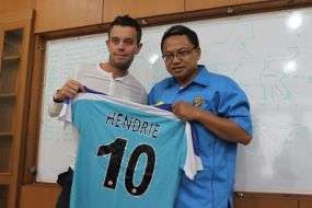 Lee Hendrie  Januari 2011