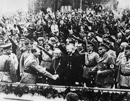 Hitler z klerem