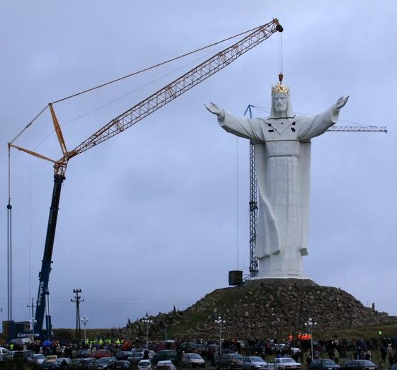 Swiebodzinska statua Jezusa, krola Polski