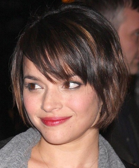 Short layered hairstyles are cute for women of all ages and for a more