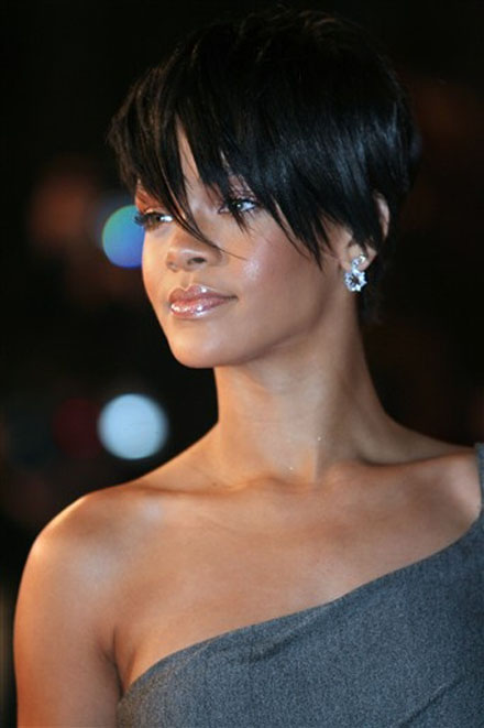 with short hair have the advantage rather than long hair or medium hair,