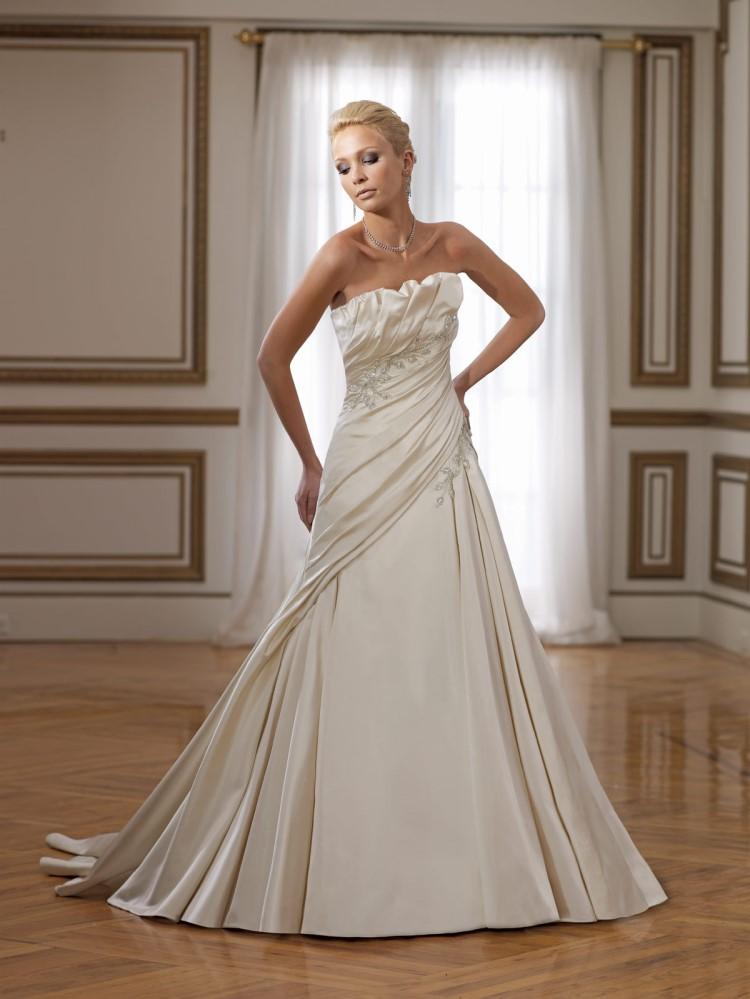 Bridal Elegance July 2010