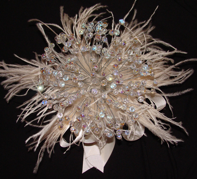 Wedding Bouquets With Feathers And Crystals : Bridal elegance creative bouquet ideas