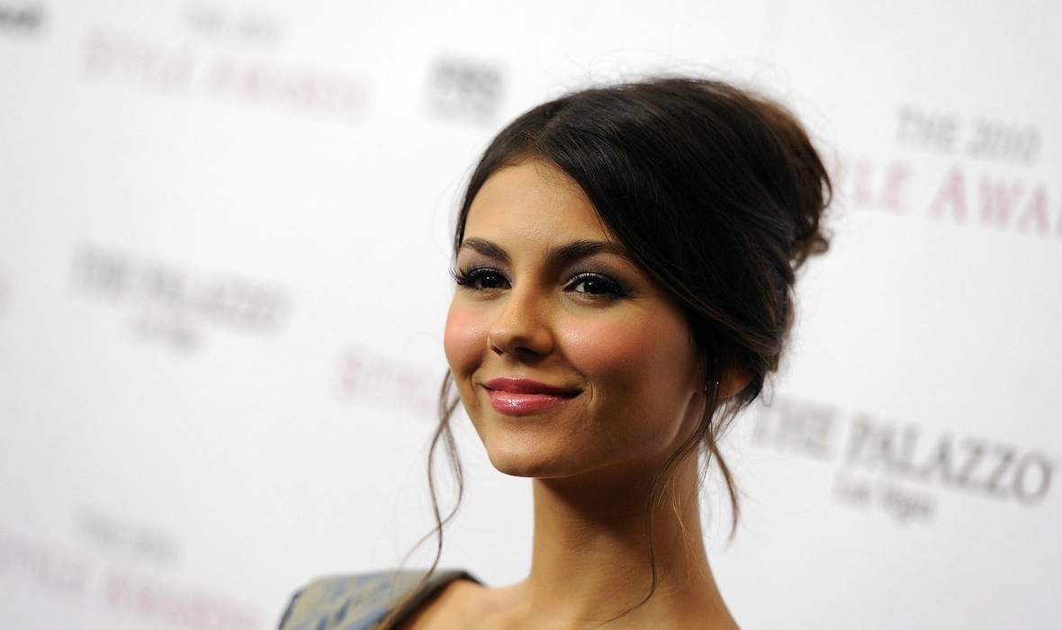 Victoria Justice Acude A Hollywood Style Awards 2010 En El Museo