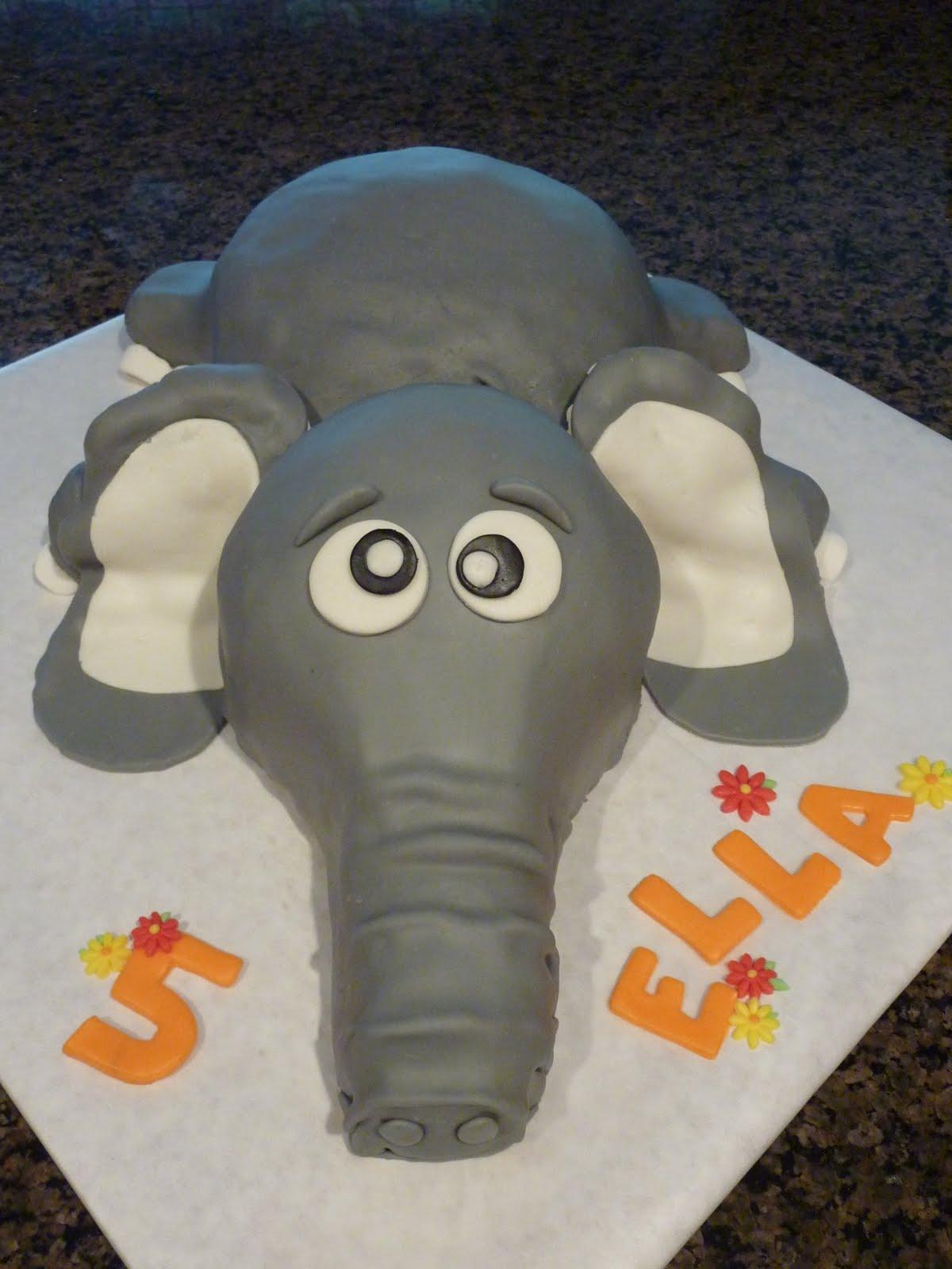 Images Cake Elephant : Sarah Bakes: Elephant Cake