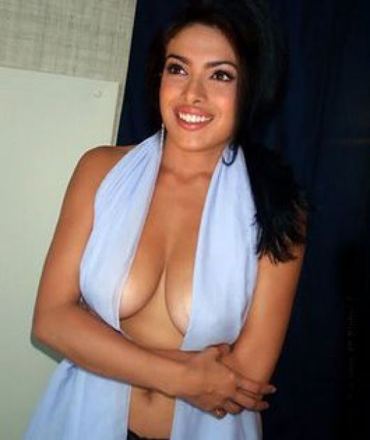Priyanka Chopra Nipple Slip | Hot Sexy Celebrities Pictures