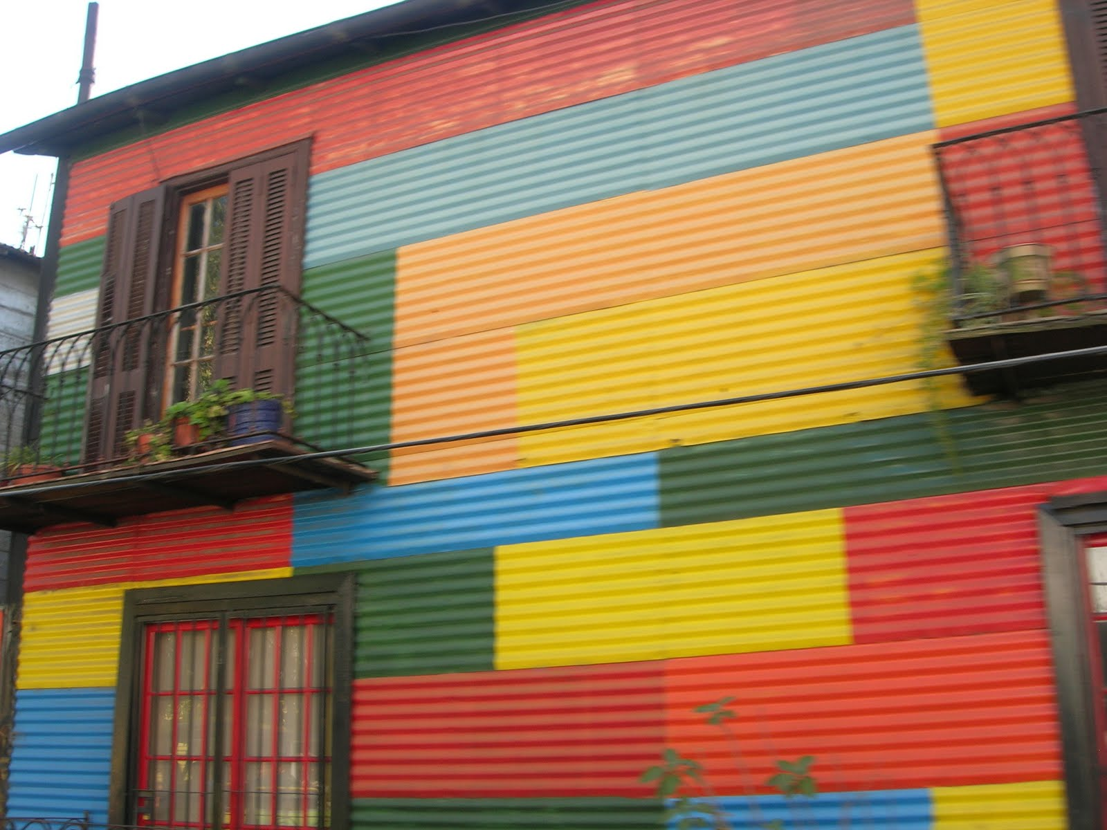 Painted houses yellow painted house pictures of house - The painted houses of ciocanesti ...