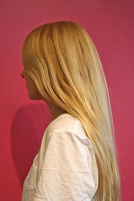 cabelo amarelado, loiro amarelado