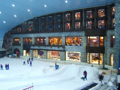 Ski dubai largest indoor ski resort of the world damn for World biggest hotel in dubai