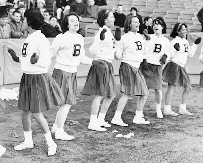 Cheerleaders of the 1960s, Cheerleaders of the 1960s photos, Cheerleaders of the 1960s pictures