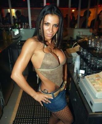 hot bartenders 41 Recopilación de fotos de camareras