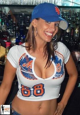 hot bartenders 40 Recopilación de fotos de camareras