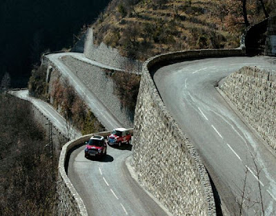scariest picture in the world  World's Scariest Roads