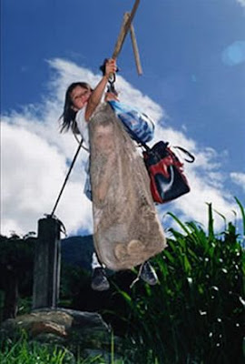 [Image: zipline_to_school_07.jpg]
