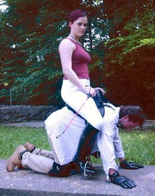 рабыня катает верхом на себе господина фото видео