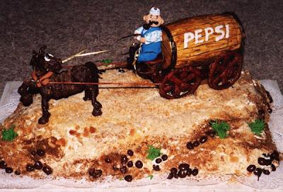 [Image: Russian-Cake-Art-22.jpg]