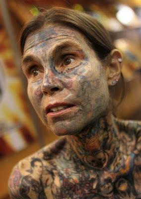 Fotos de Julia Gnuse- Mulher mais Tatuada do Mundo
