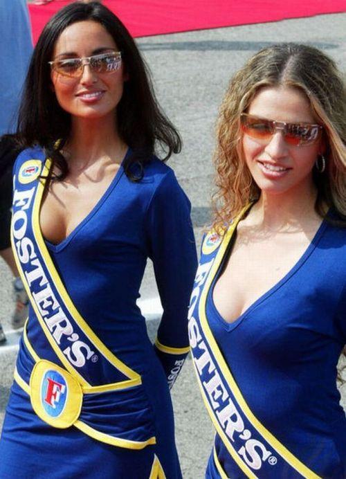 http://2.bp.blogspot.com/_mmBw3uzPnJI/S_vA8Lr05SI/AAAAAAABSQk/dXLlhDFXNm4/s1600/Formula1_Pit_Babes_04.jpg