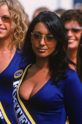 http://2.bp.blogspot.com/_mmBw3uzPnJI/S_vA8eqfhCI/AAAAAAABSQs/m22LHSMJwyA/s1600/Formula1_Pit_Babes_03.jpg