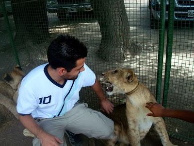 Kebun Binatang Paling Berbahaya di Dunia - Lujan Zoo21