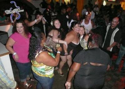 Ada Klub Malam Khusus Orang Gemuk [ www.BlogApaAja.com ]