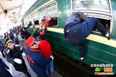 crowded train stations in china 18 Inilah Antrian Terpanjang di Dunia !