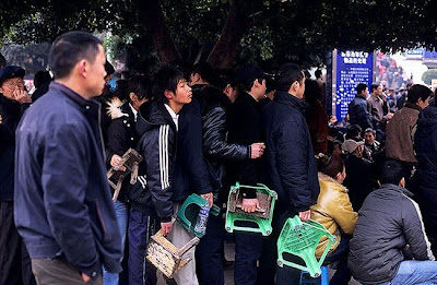 crowded train stations in china 13 Inilah Antrian Terpanjang di Dunia !
