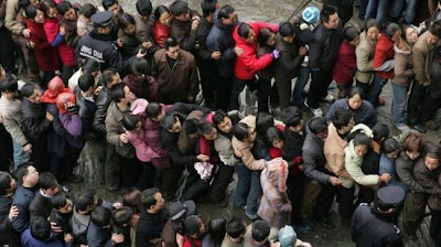 crowded train stations in china 12 Inilah Antrian Terpanjang di Dunia !