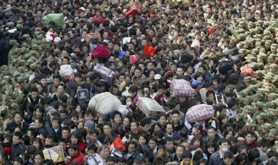 crowded train stations in china 06 Inilah Antrian Terpanjang di Dunia !