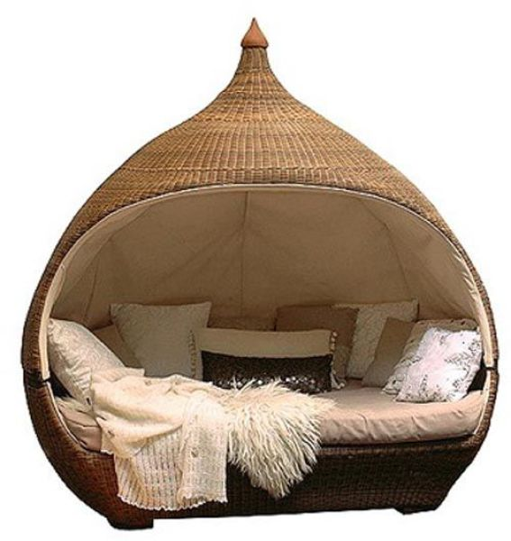 35 creative and unusual beds damn cool pictures for Cool outdoor furniture ideas