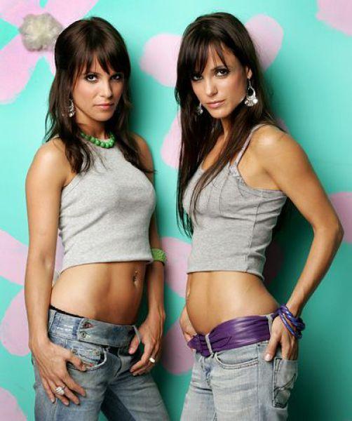 Sexy Female Twins 54
