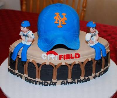 فن الحلويات Creative_cake_designs_22