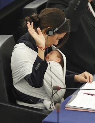 اصغر عضو في البرلمان الأوروبي