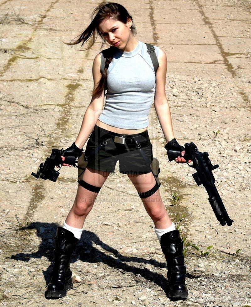 http://2.bp.blogspot.com/_mmBw3uzPnJI/TLV09YWVhII/AAAAAAABq-c/FRKQ2FUyfoY/s1600/lara_croft_cosplay_30.jpg
