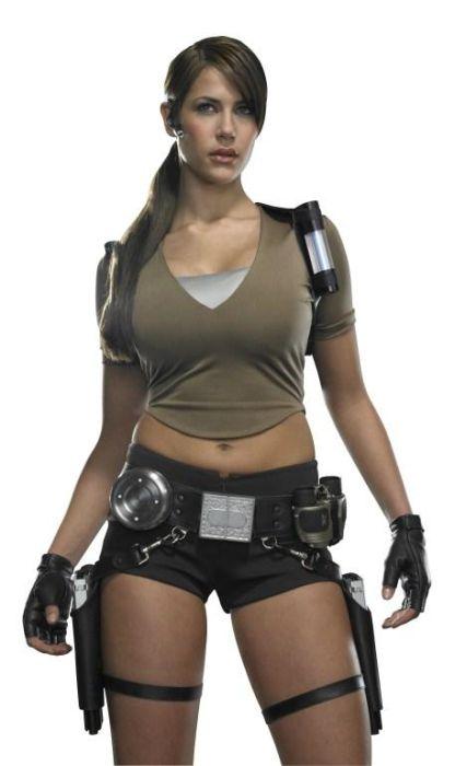 http://2.bp.blogspot.com/_mmBw3uzPnJI/TLVyAlY8GGI/AAAAAAABq68/GEj1Ba7RqcM/s1600/lara_croft_cosplay_21.jpg